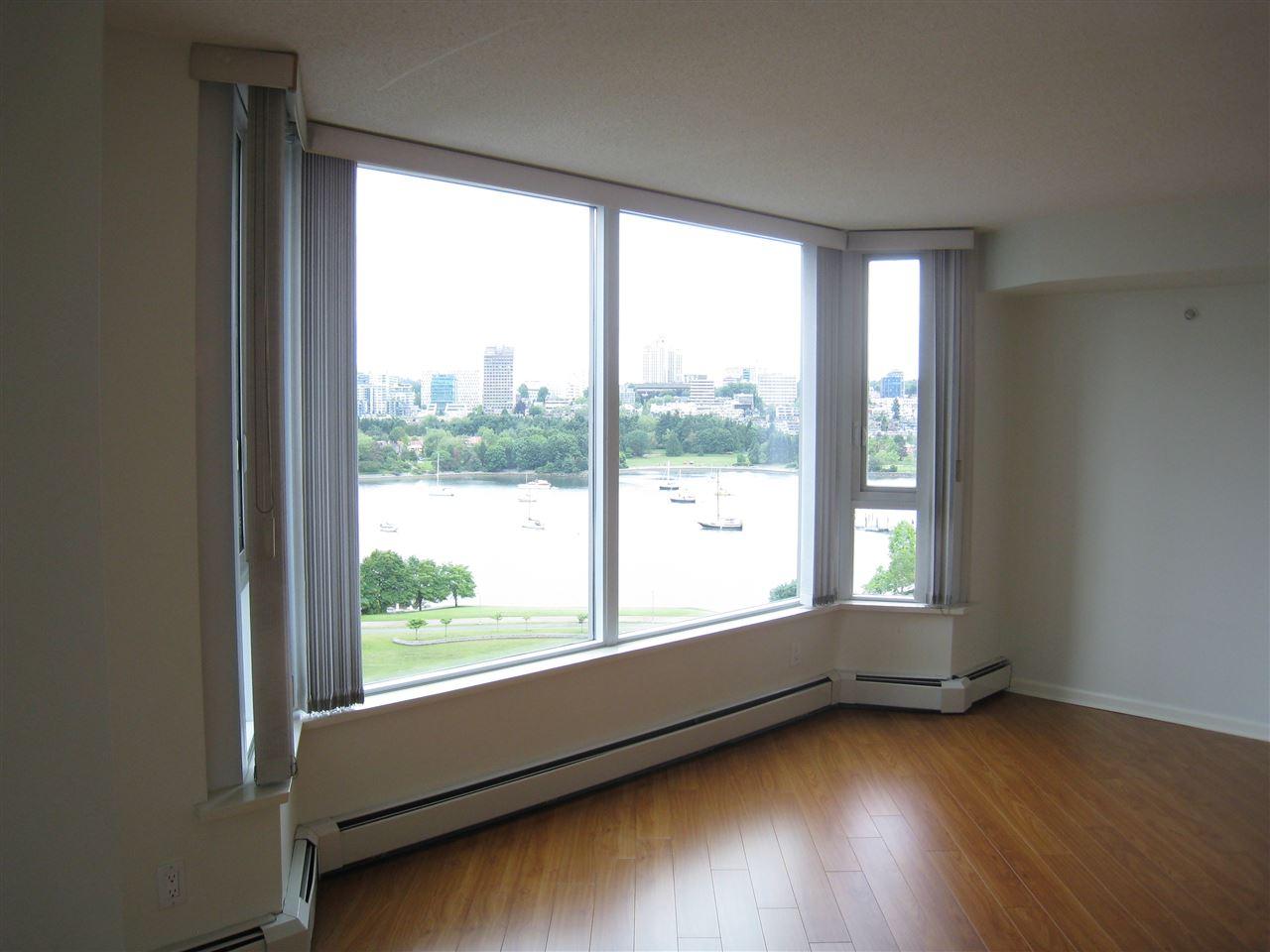 Condo Apartment at 1305 388 DRAKE STREET, Unit 1305, Vancouver West, British Columbia. Image 13