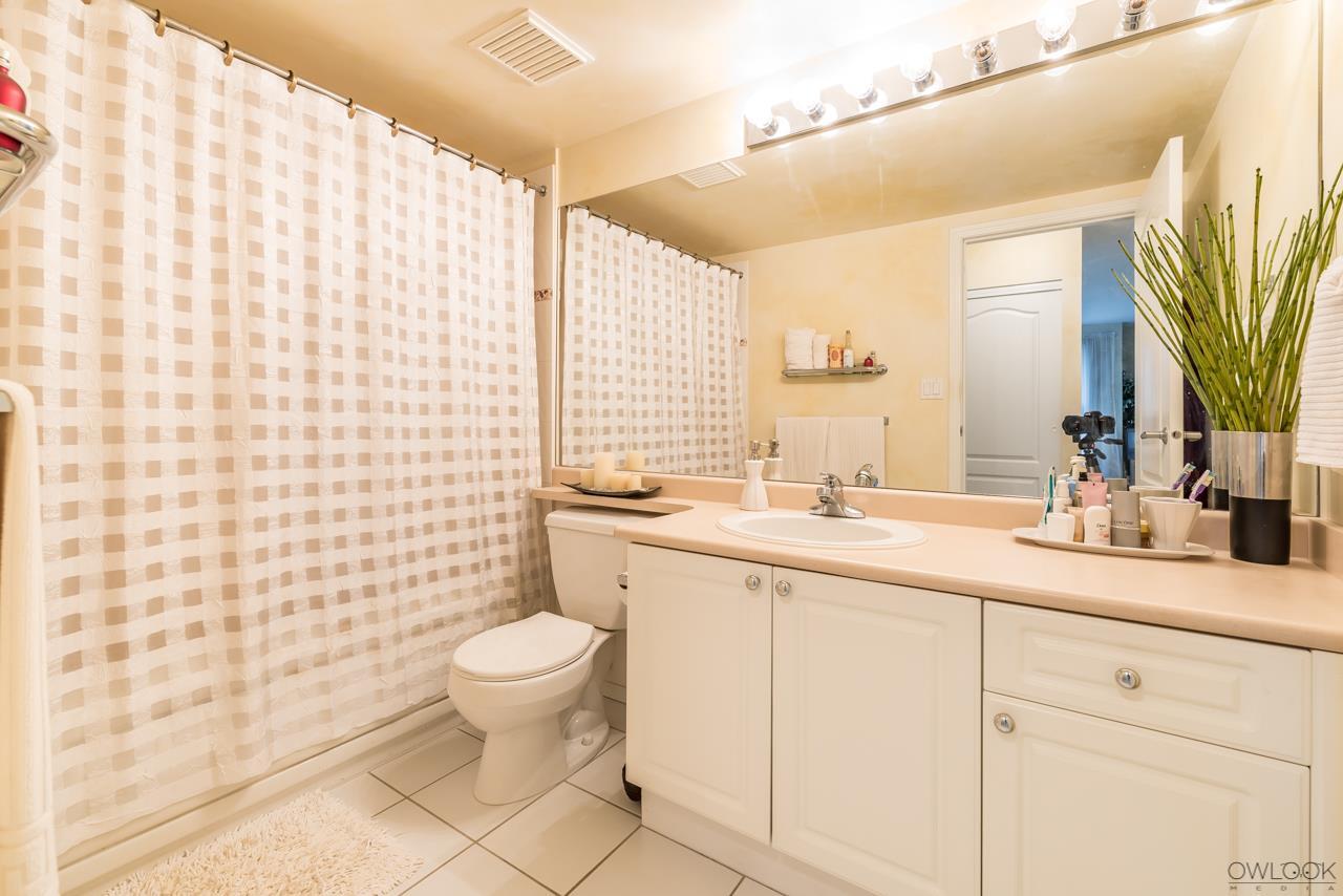Condo Apartment at 1101 7760 GRANVILLE AVENUE, Unit 1101, Richmond, British Columbia. Image 3