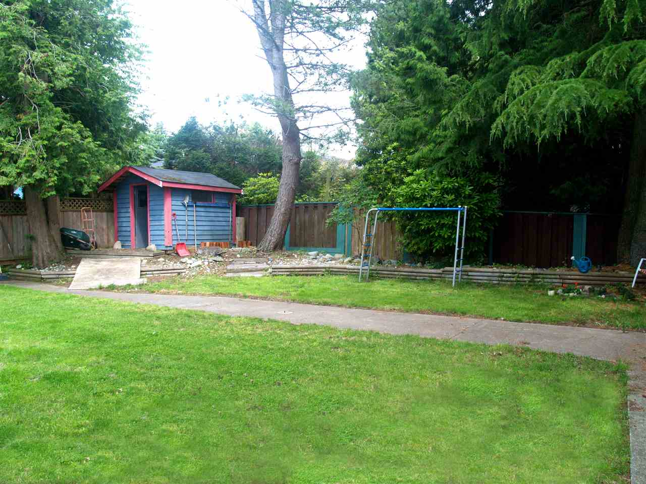 Detached at 15837 GOGGS AVENUE, South Surrey White Rock, British Columbia. Image 19