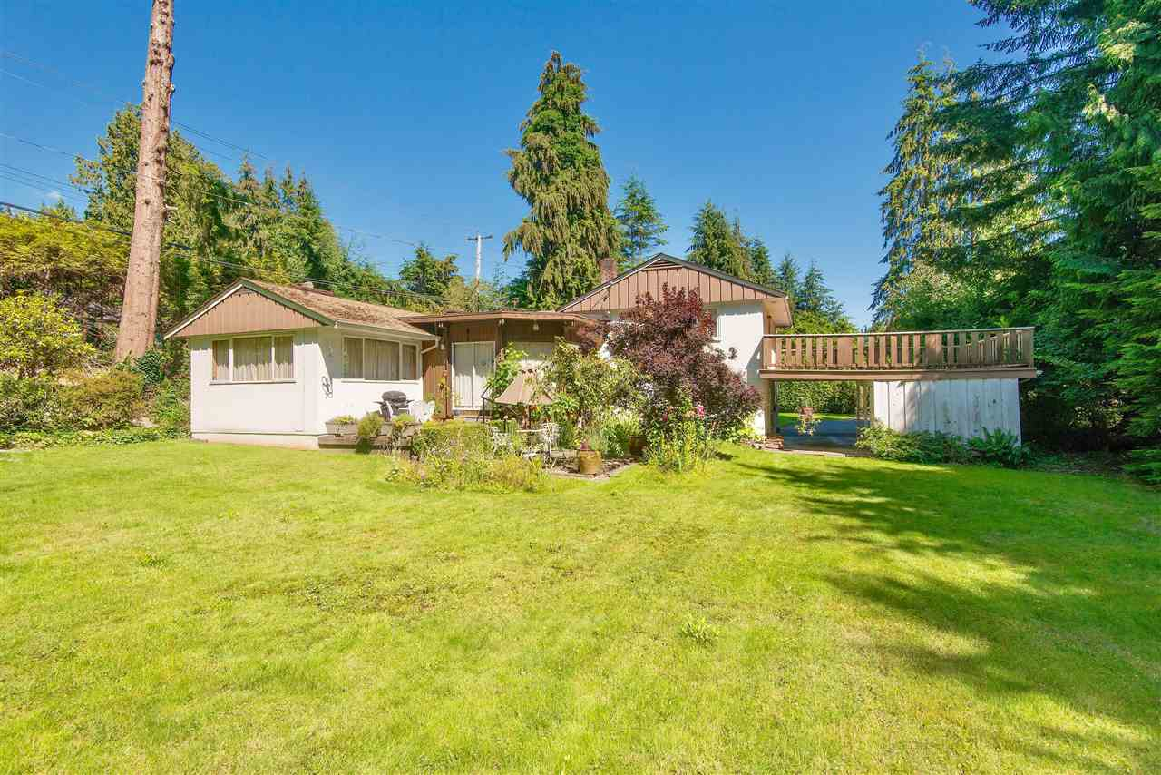 Detached at 571 EASTCOT ROAD, West Vancouver, British Columbia. Image 7