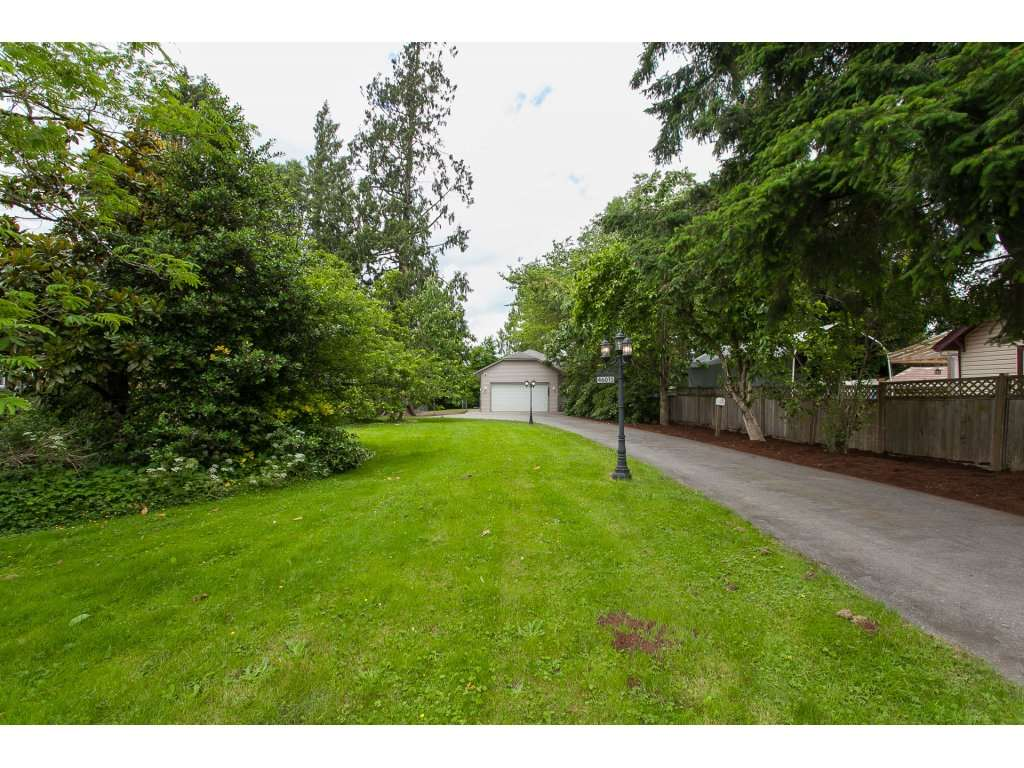 Detached at 46015 LEWIS AVENUE, Chilliwack, British Columbia. Image 1