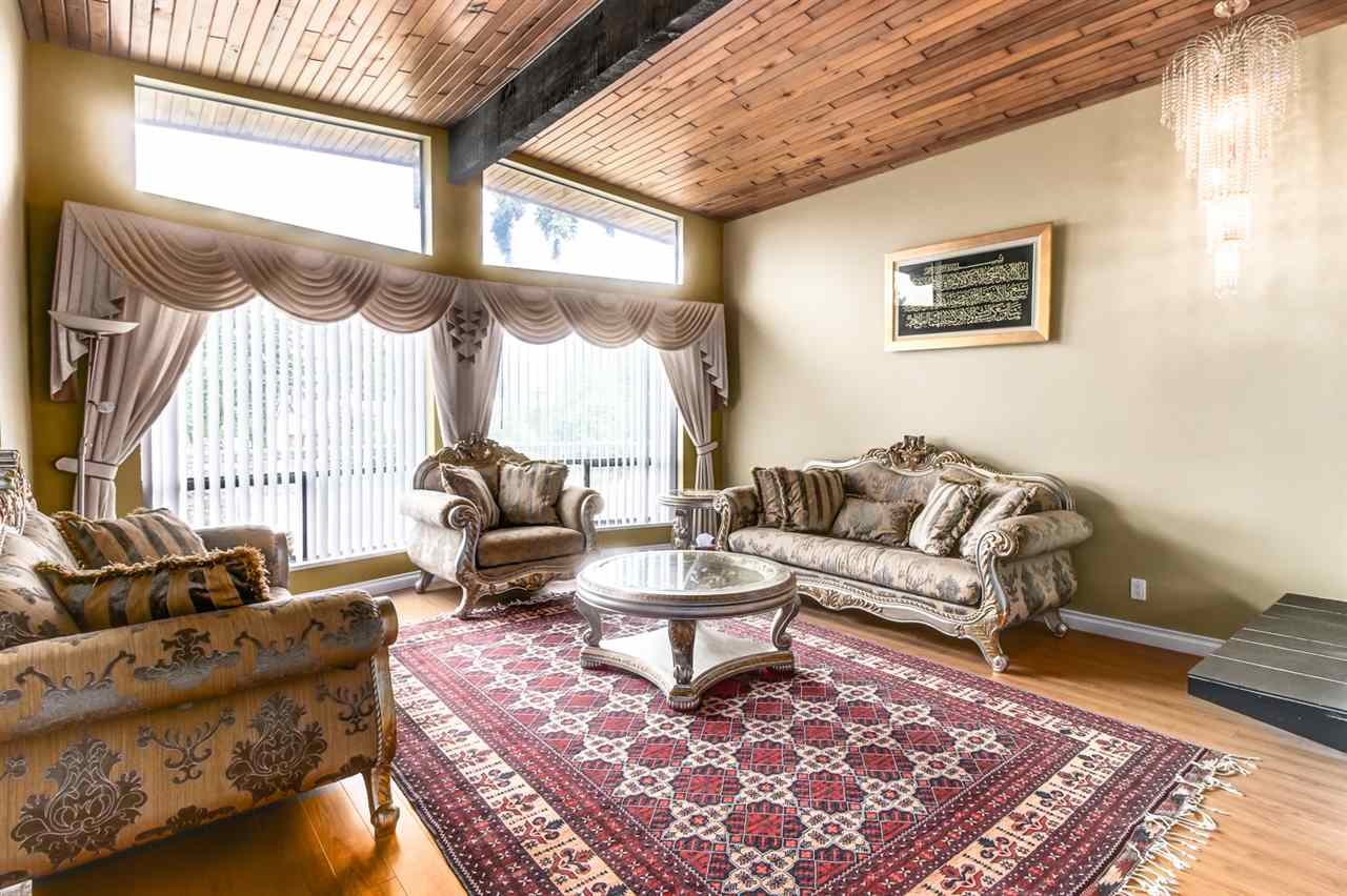 Detached at 4918 HARDWICK STREET, Burnaby South, British Columbia. Image 3