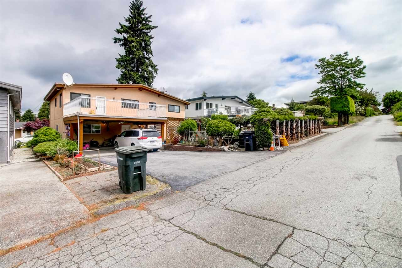 Detached at 4918 HARDWICK STREET, Burnaby South, British Columbia. Image 19