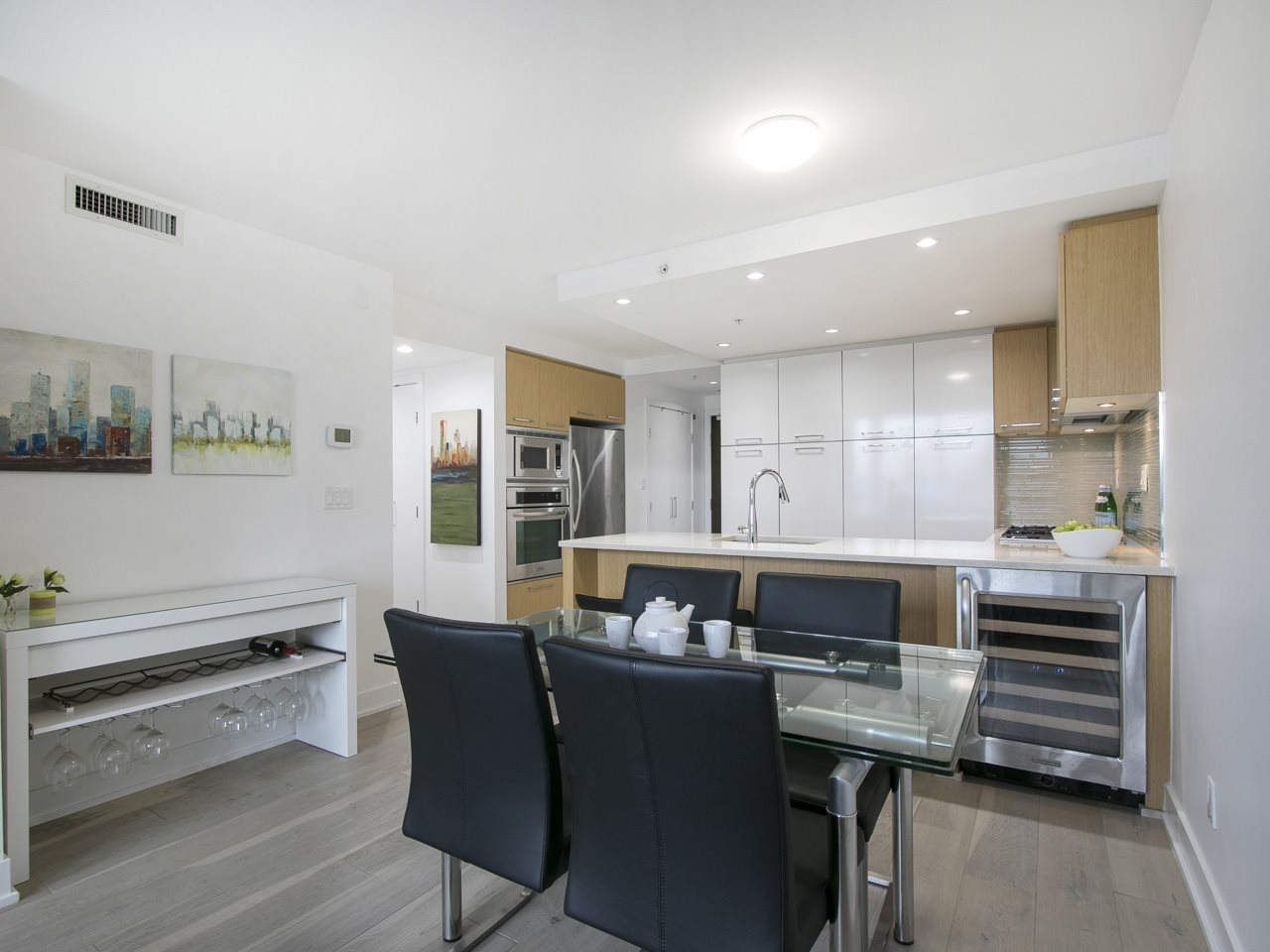 Condo Apartment at 310 1680 W 4TH AVENUE, Unit 310, Vancouver West, British Columbia. Image 1