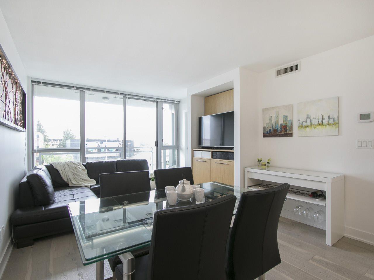 Condo Apartment at 310 1680 W 4TH AVENUE, Unit 310, Vancouver West, British Columbia. Image 3