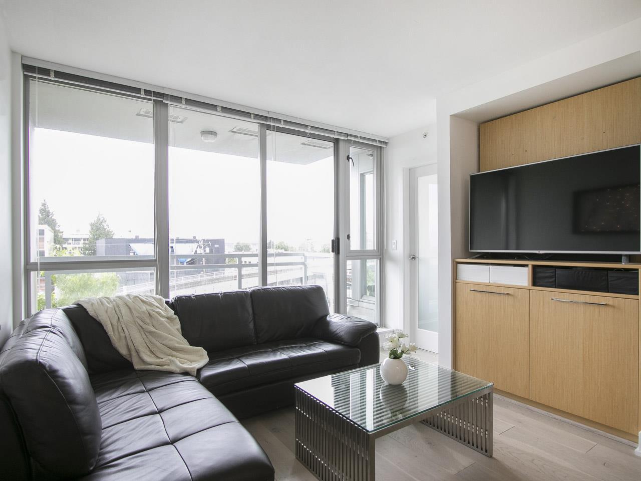 Condo Apartment at 310 1680 W 4TH AVENUE, Unit 310, Vancouver West, British Columbia. Image 5
