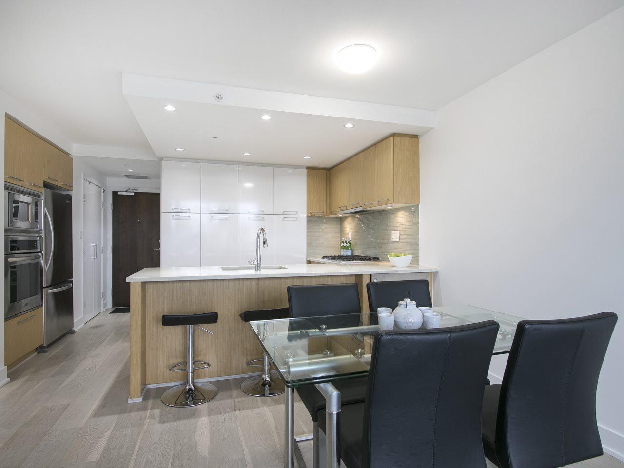 Condo Apartment at 310 1680 W 4TH AVENUE, Unit 310, Vancouver West, British Columbia. Image 8