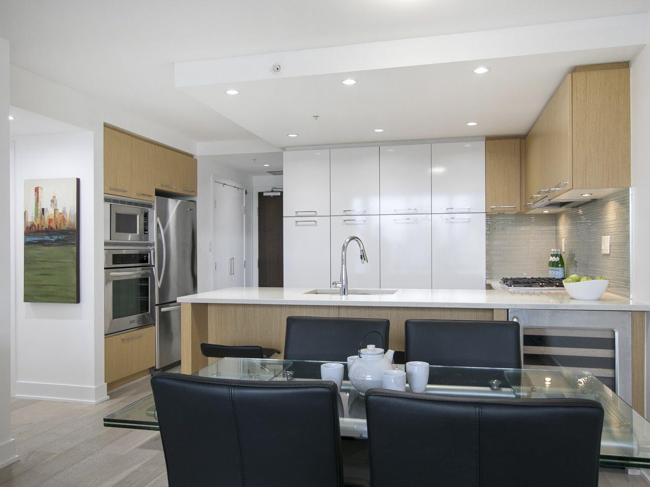 Condo Apartment at 310 1680 W 4TH AVENUE, Unit 310, Vancouver West, British Columbia. Image 9