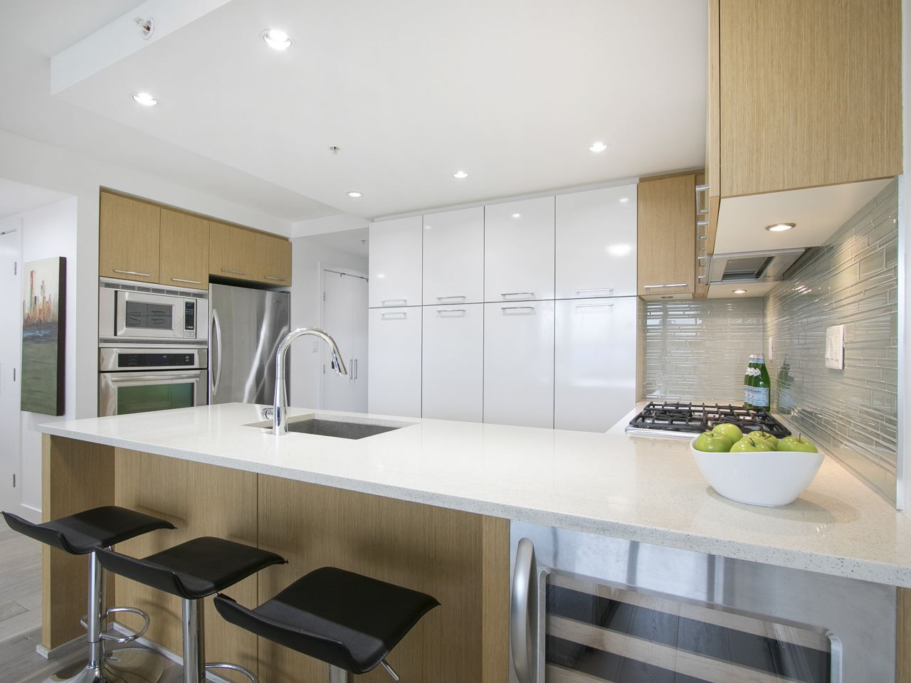 Condo Apartment at 310 1680 W 4TH AVENUE, Unit 310, Vancouver West, British Columbia. Image 10