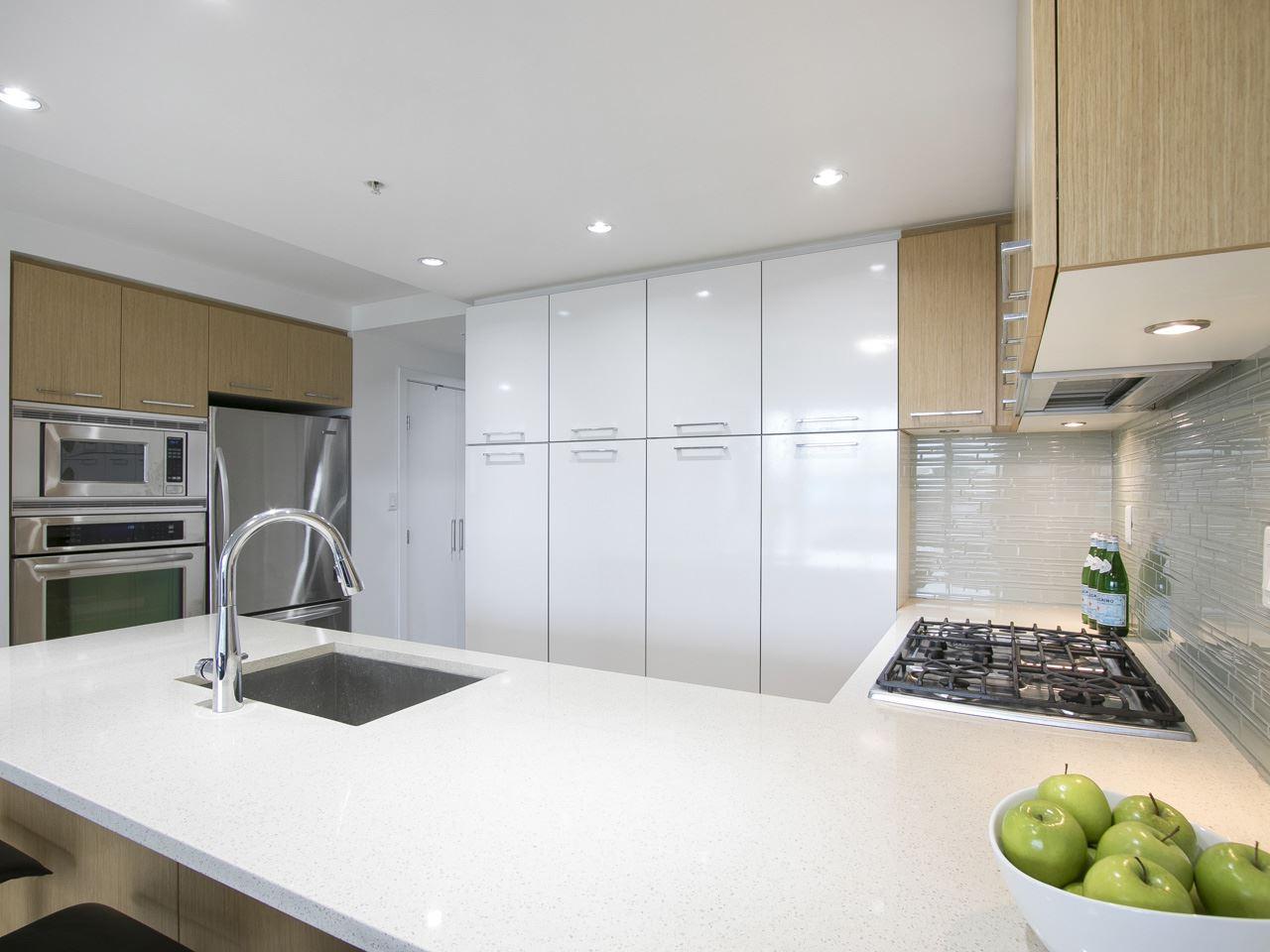 Condo Apartment at 310 1680 W 4TH AVENUE, Unit 310, Vancouver West, British Columbia. Image 11
