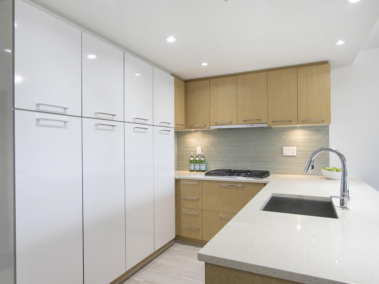 Condo Apartment at 310 1680 W 4TH AVENUE, Unit 310, Vancouver West, British Columbia. Image 12