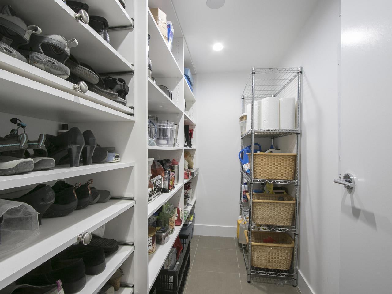 Condo Apartment at 310 1680 W 4TH AVENUE, Unit 310, Vancouver West, British Columbia. Image 18