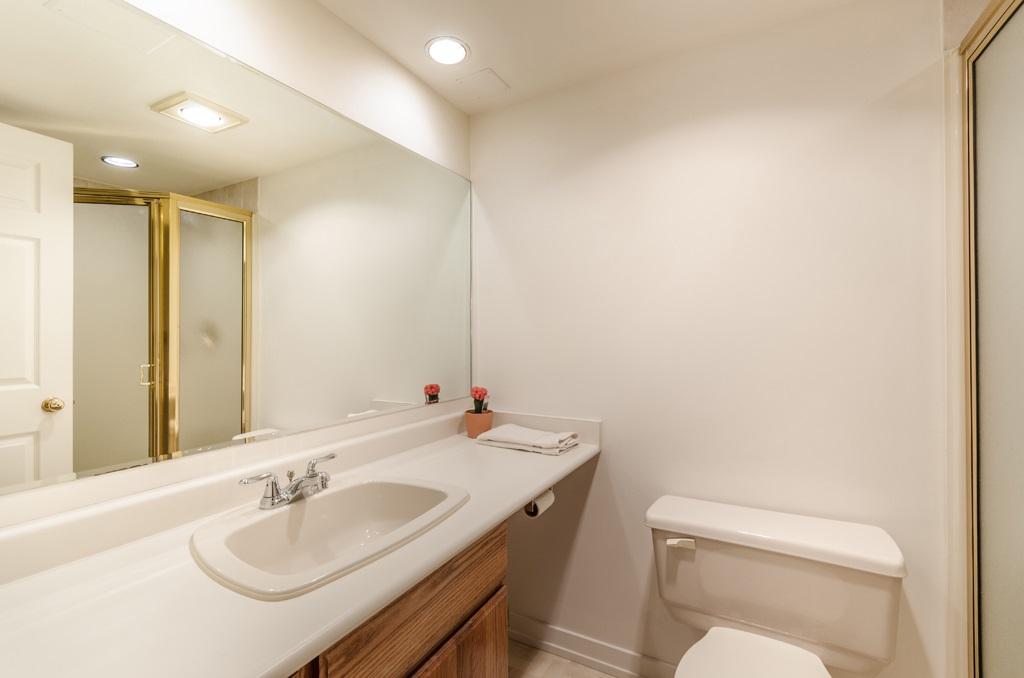 Condo Apartment at 114 1442 FOSTER STREET, Unit 114, South Surrey White Rock, British Columbia. Image 10