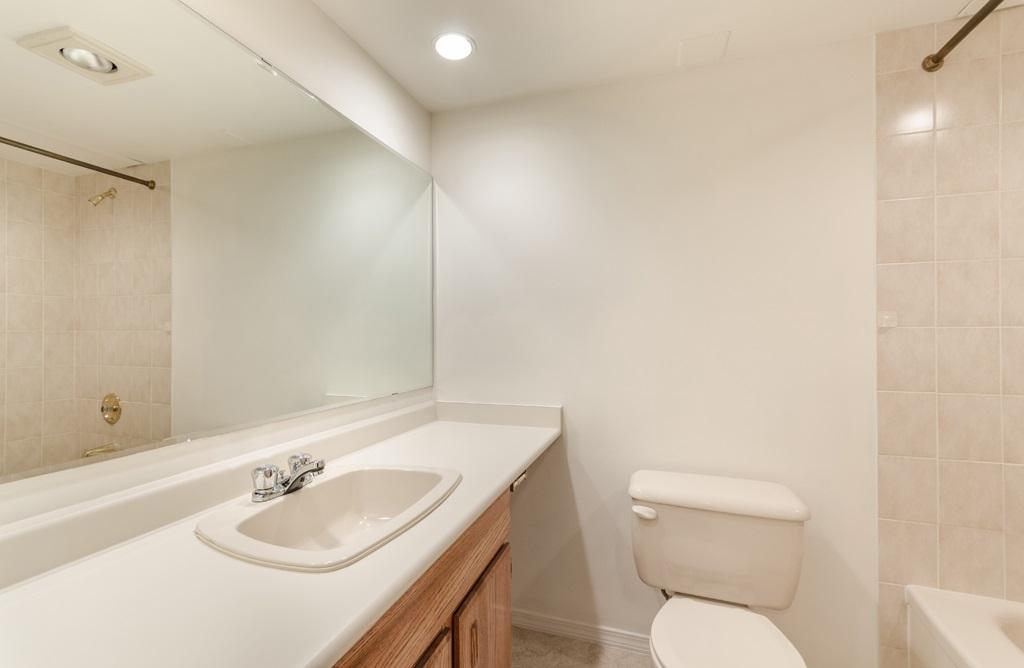 Condo Apartment at 114 1442 FOSTER STREET, Unit 114, South Surrey White Rock, British Columbia. Image 14