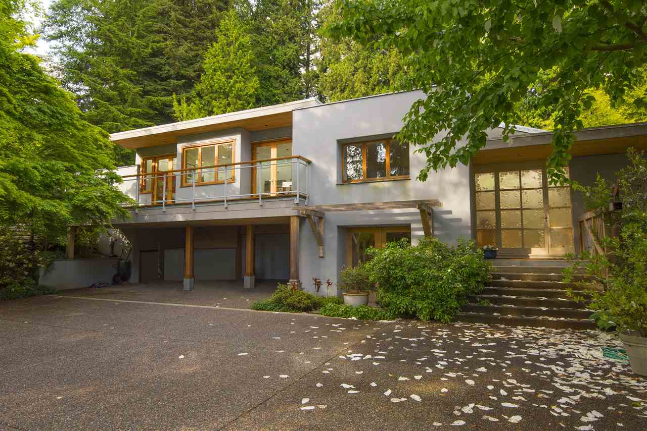 Detached at 3069 MATHERS AVENUE, West Vancouver, British Columbia. Image 1
