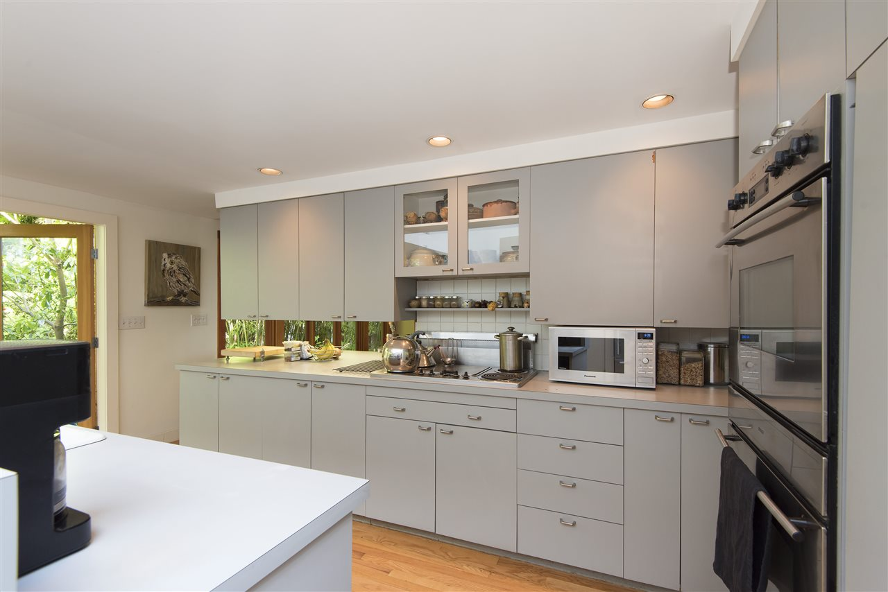 Detached at 3069 MATHERS AVENUE, West Vancouver, British Columbia. Image 5