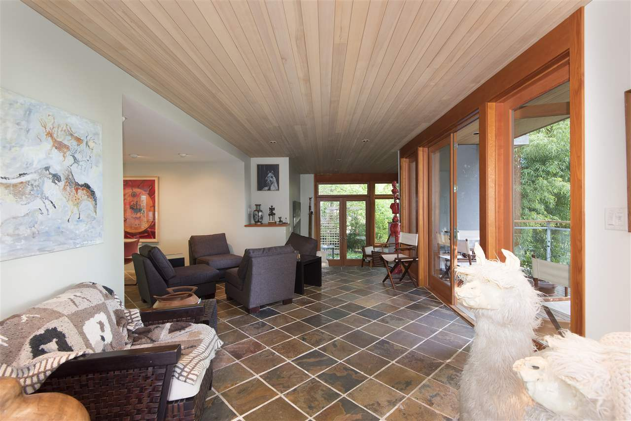 Detached at 3069 MATHERS AVENUE, West Vancouver, British Columbia. Image 7