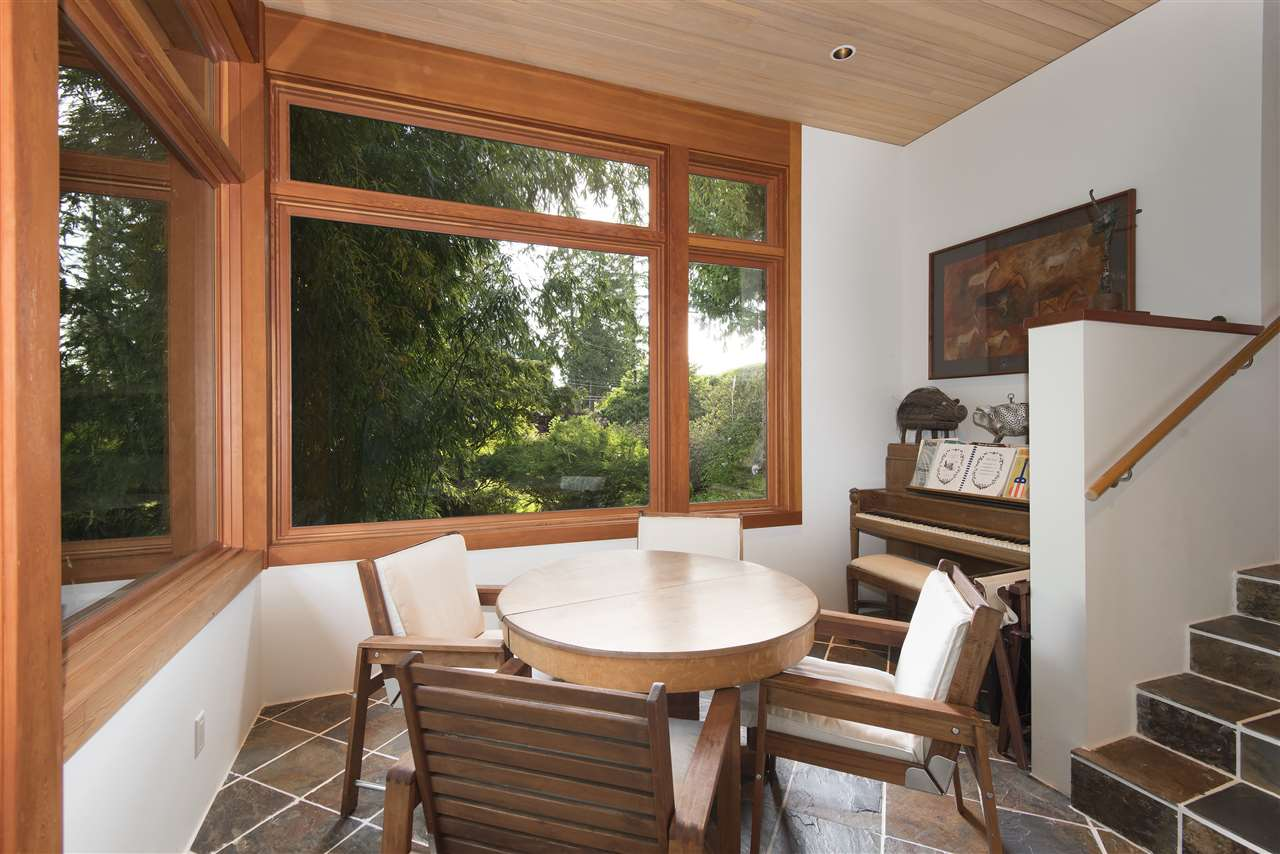 Detached at 3069 MATHERS AVENUE, West Vancouver, British Columbia. Image 10