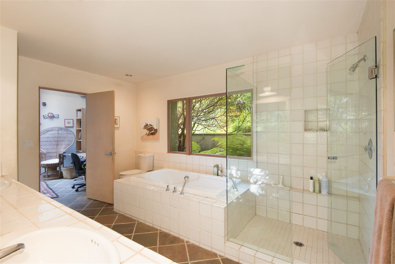 Detached at 3069 MATHERS AVENUE, West Vancouver, British Columbia. Image 12