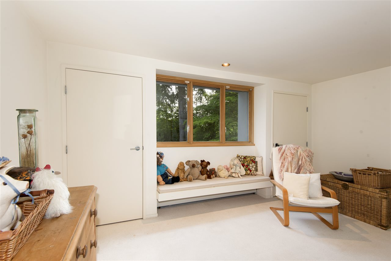 Detached at 3069 MATHERS AVENUE, West Vancouver, British Columbia. Image 14