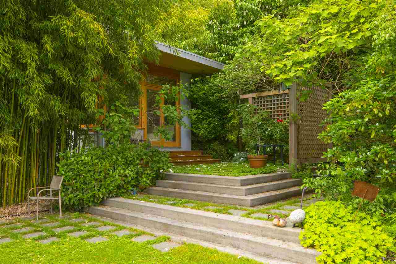 Detached at 3069 MATHERS AVENUE, West Vancouver, British Columbia. Image 18