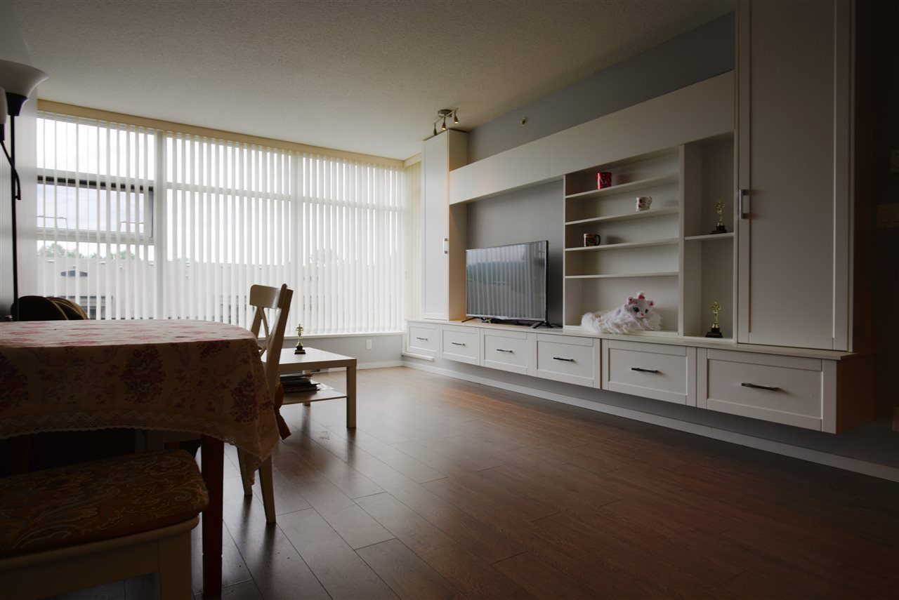 Condo Apartment at 601 3102 WINDSOR GATE, Unit 601, Coquitlam, British Columbia. Image 6
