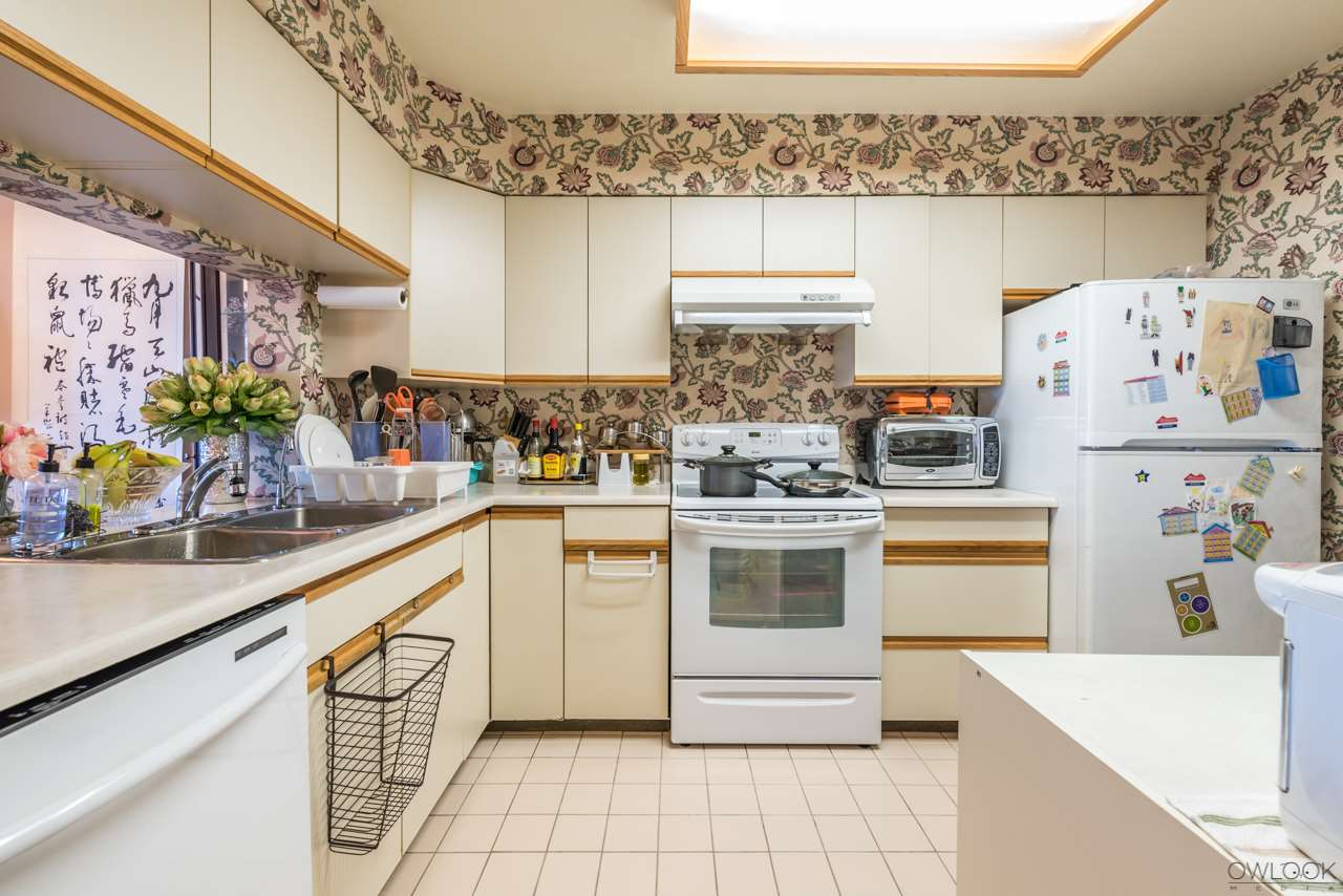 Condo Apartment at 1202 6055 NELSON AVENUE, Unit 1202, Burnaby South, British Columbia. Image 9
