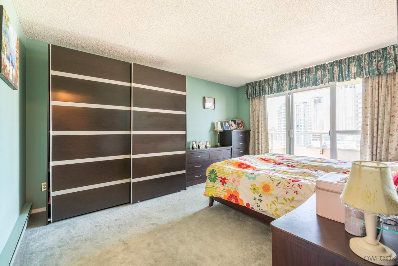 Condo Apartment at 1202 6055 NELSON AVENUE, Unit 1202, Burnaby South, British Columbia. Image 11