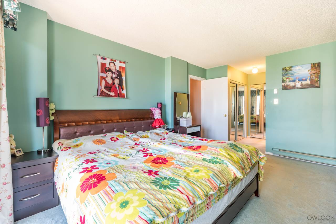 Condo Apartment at 1202 6055 NELSON AVENUE, Unit 1202, Burnaby South, British Columbia. Image 16