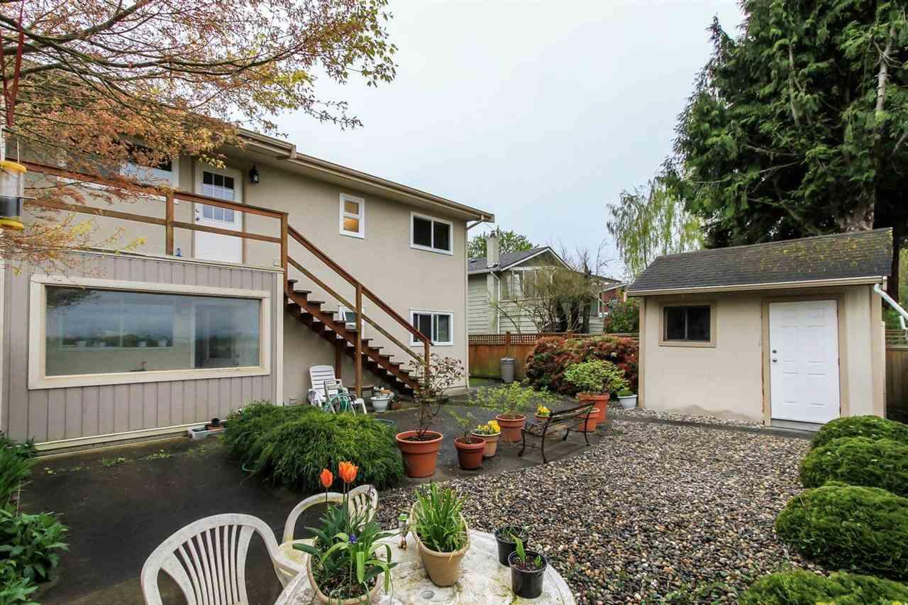 Half-duplex at 5855 17A AVENUE, Tsawwassen, British Columbia. Image 2