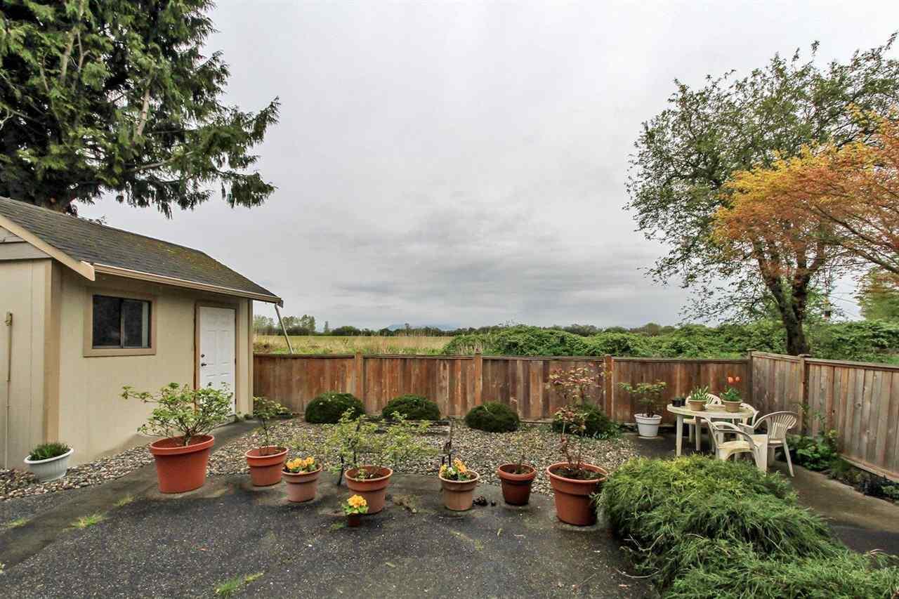 Half-duplex at 5855 17A AVENUE, Tsawwassen, British Columbia. Image 3