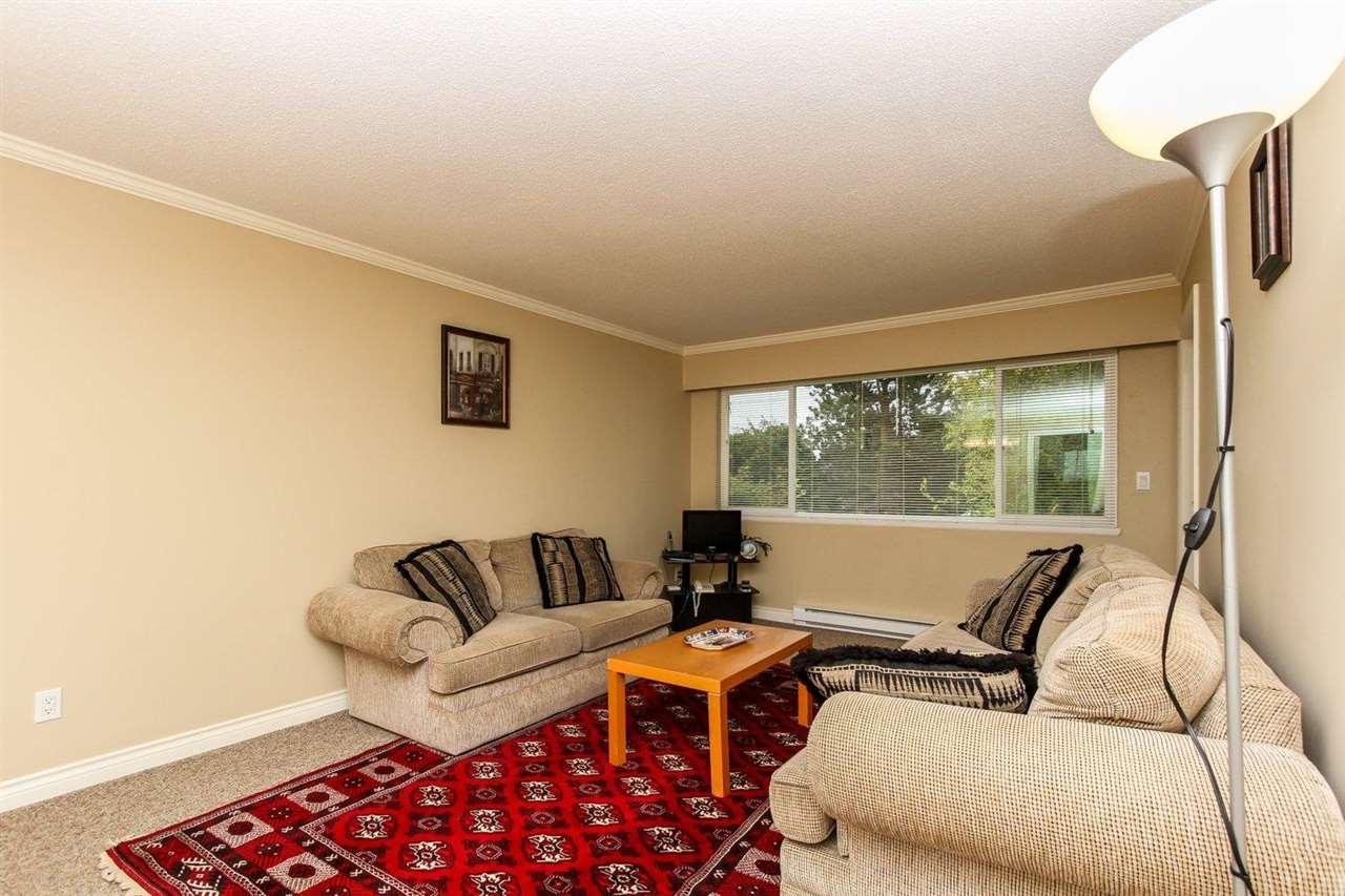 Half-duplex at 5855 17A AVENUE, Tsawwassen, British Columbia. Image 6