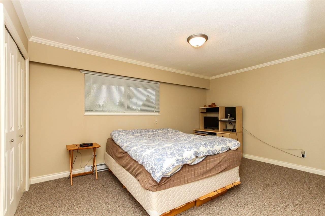 Half-duplex at 5855 17A AVENUE, Tsawwassen, British Columbia. Image 11