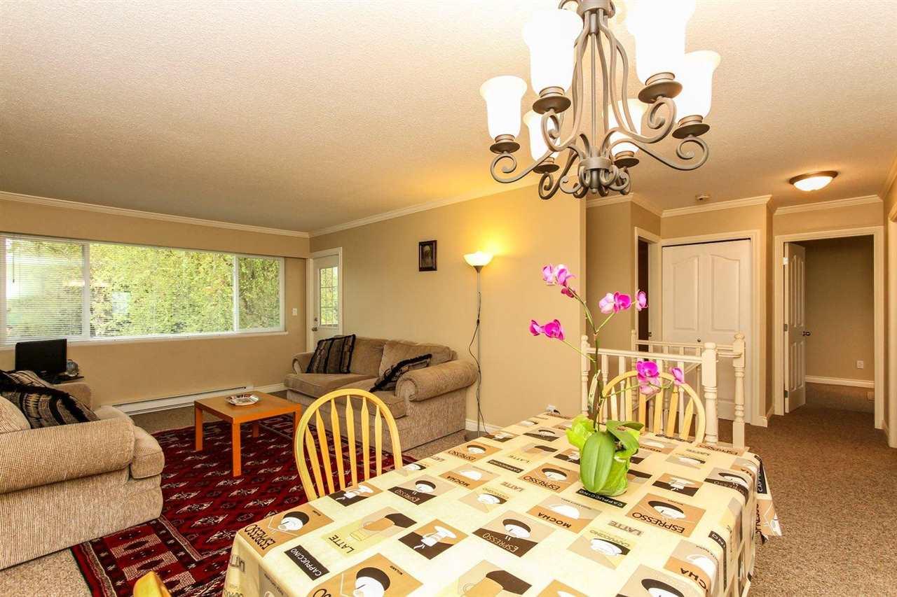 Half-duplex at 5855 17A AVENUE, Tsawwassen, British Columbia. Image 12