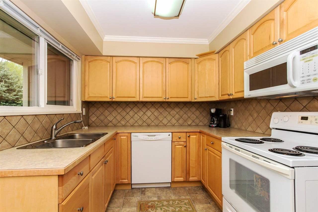Half-duplex at 5855 17A AVENUE, Tsawwassen, British Columbia. Image 14