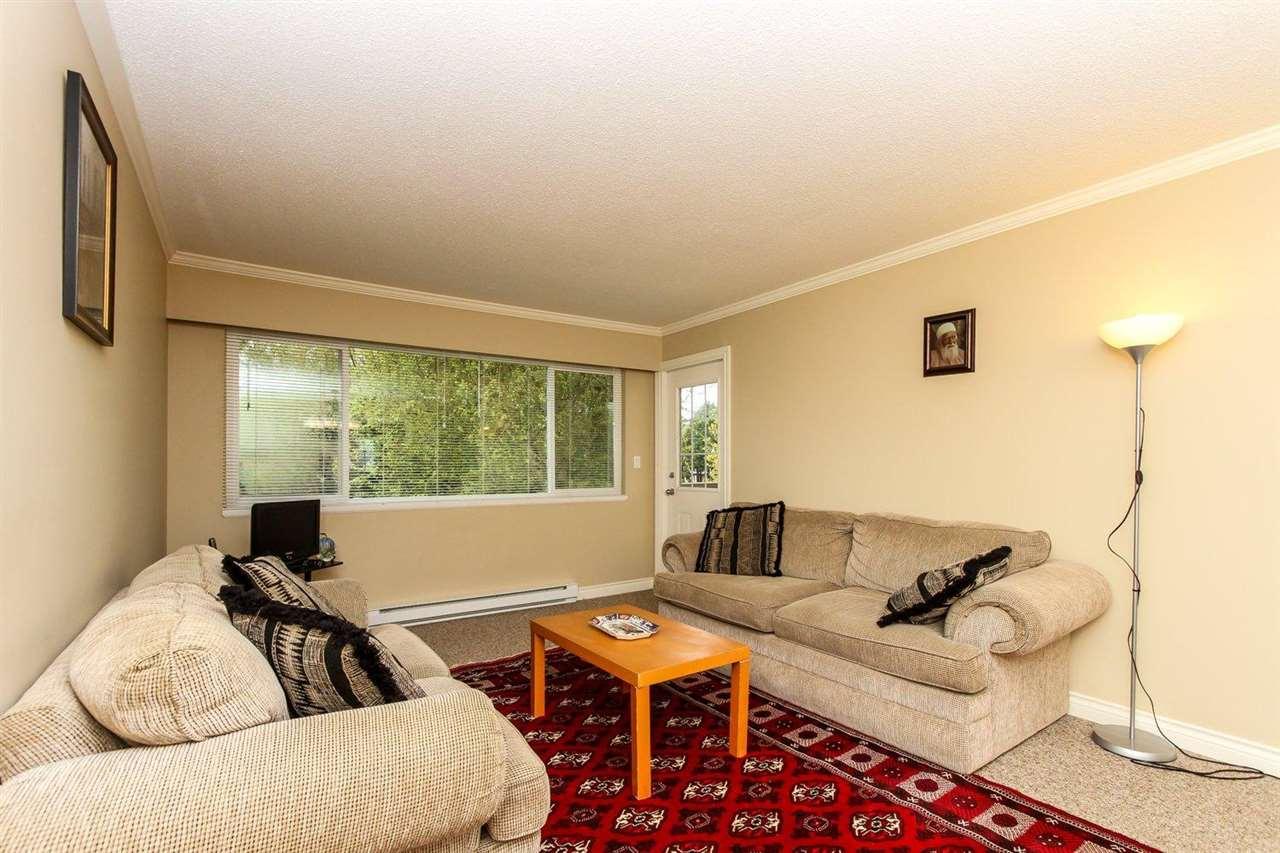 Half-duplex at 5855 17A AVENUE, Tsawwassen, British Columbia. Image 15