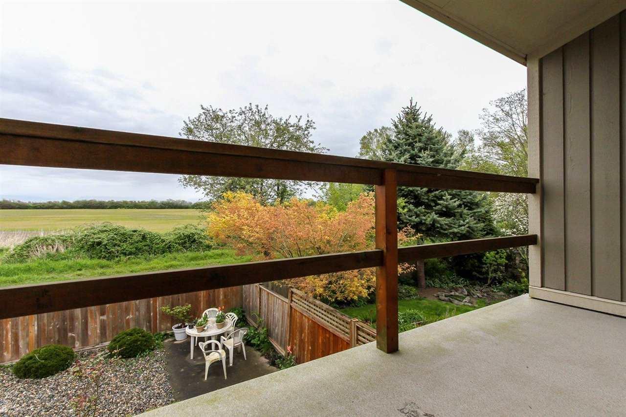 Half-duplex at 5855 17A AVENUE, Tsawwassen, British Columbia. Image 17