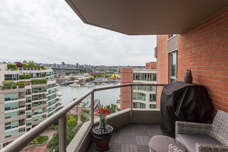 Condo Apartment at 1001 1625 HORNBY STREET, Unit 1001, Vancouver West, British Columbia. Image 1