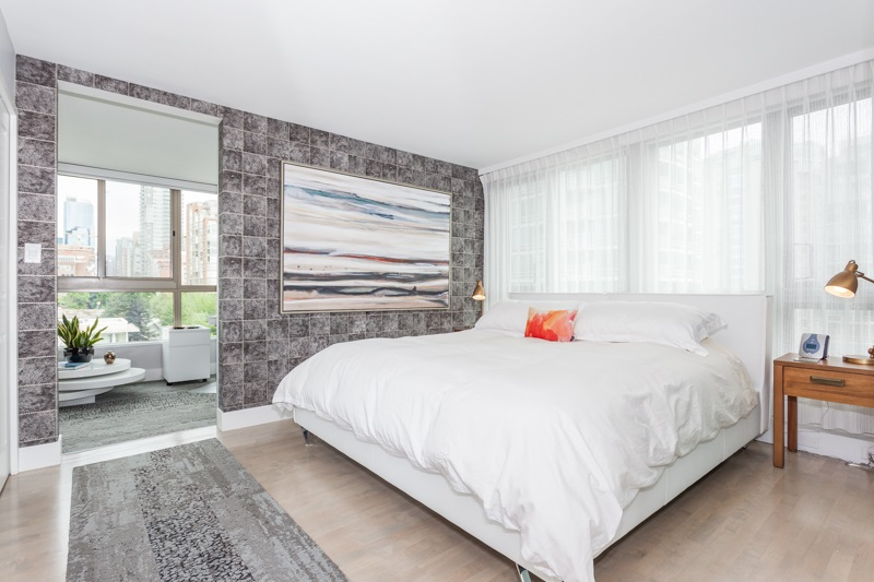 Condo Apartment at 1001 1625 HORNBY STREET, Unit 1001, Vancouver West, British Columbia. Image 4