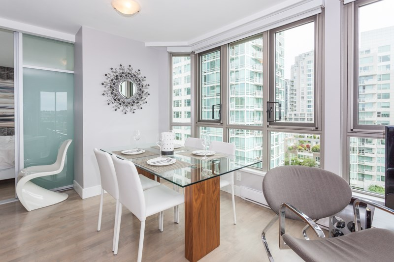 Condo Apartment at 1001 1625 HORNBY STREET, Unit 1001, Vancouver West, British Columbia. Image 12