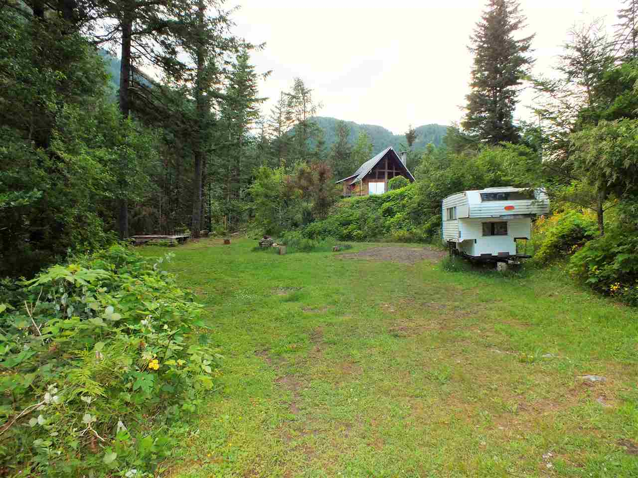 Detached at 22301 ROSS ROAD, Hope, British Columbia. Image 6