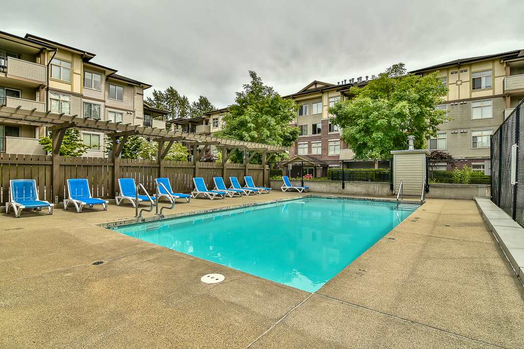 Condo Apartment at 103 10088 148 STREET, Unit 103, North Surrey, British Columbia. Image 19