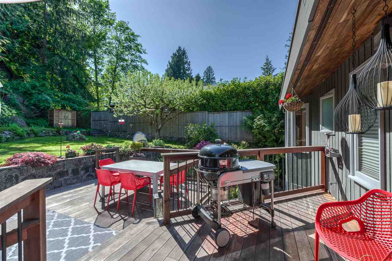 Detached at 5716 MARINE DRIVE, West Vancouver, British Columbia. Image 1