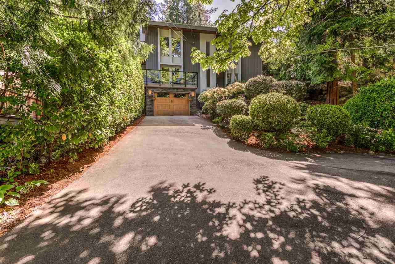 Detached at 5716 MARINE DRIVE, West Vancouver, British Columbia. Image 19