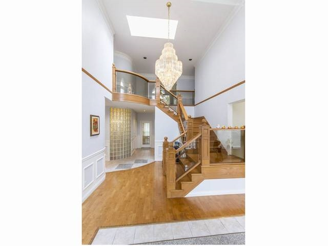 Detached at 5788 BUCKINGHAM AVENUE, Burnaby South, British Columbia. Image 2