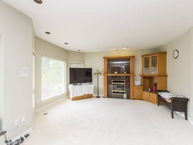 Detached at 5788 BUCKINGHAM AVENUE, Burnaby South, British Columbia. Image 4