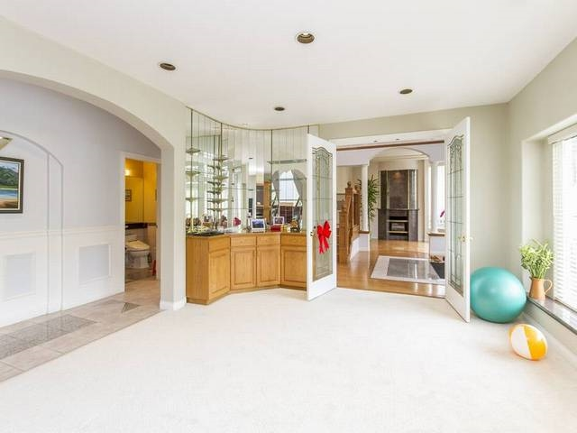 Detached at 5788 BUCKINGHAM AVENUE, Burnaby South, British Columbia. Image 5