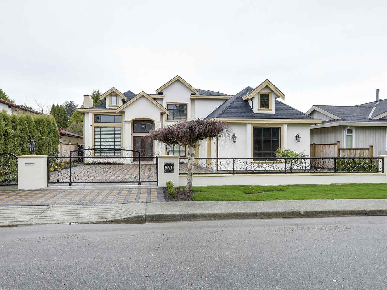 Detached at 6971 DUNSANY PLACE, Richmond, British Columbia. Image 2