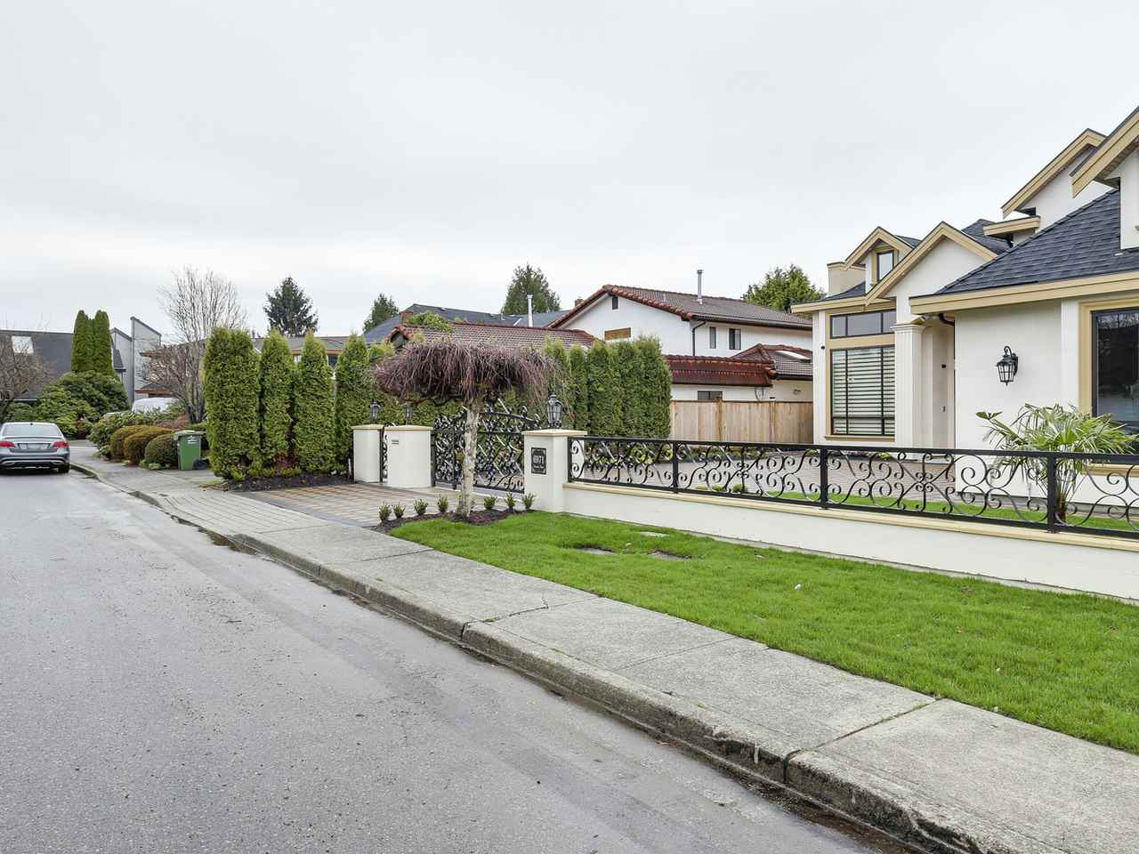 Detached at 6971 DUNSANY PLACE, Richmond, British Columbia. Image 3