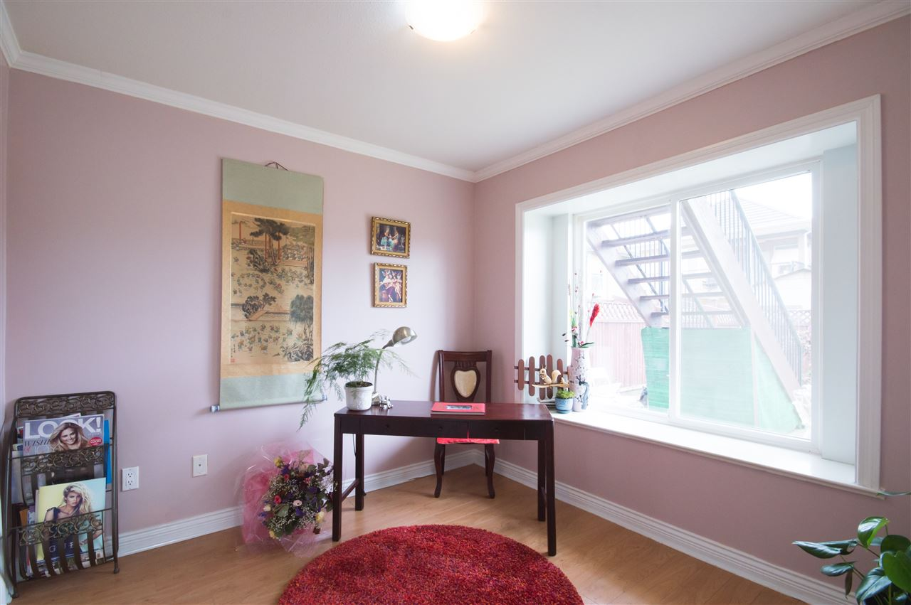 Detached at 7128 HUMPHRIES AVENUE, Burnaby South, British Columbia. Image 10